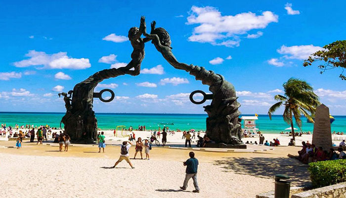 cancun airport transfer to Playa Del Carmen bluedreams